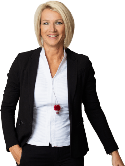 Cornelia Kluger Stehend